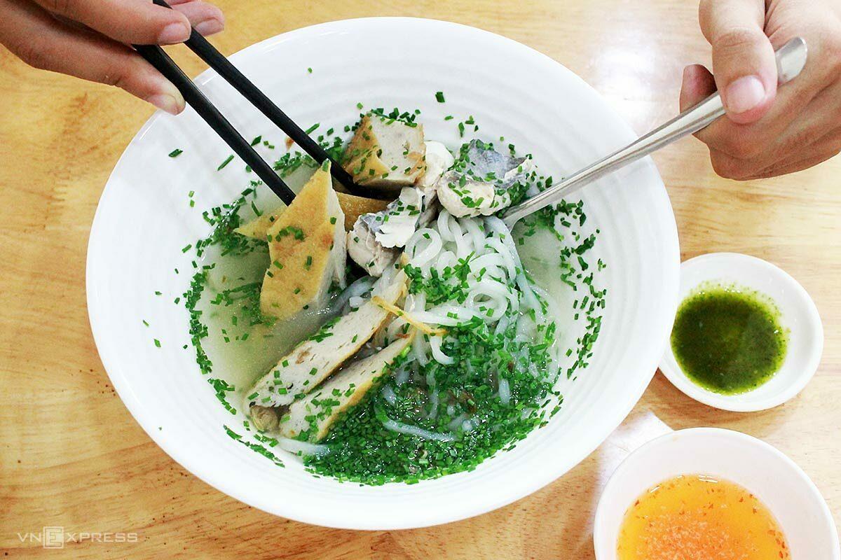 Banh canh hẹ Phú Yên
