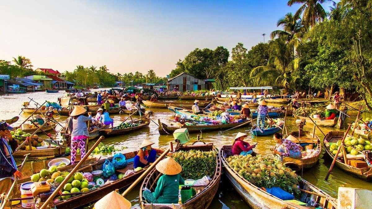 Khung cảnh miền Tây thu hút khách du lịch. Ảnh: Lữ Hành Việt.