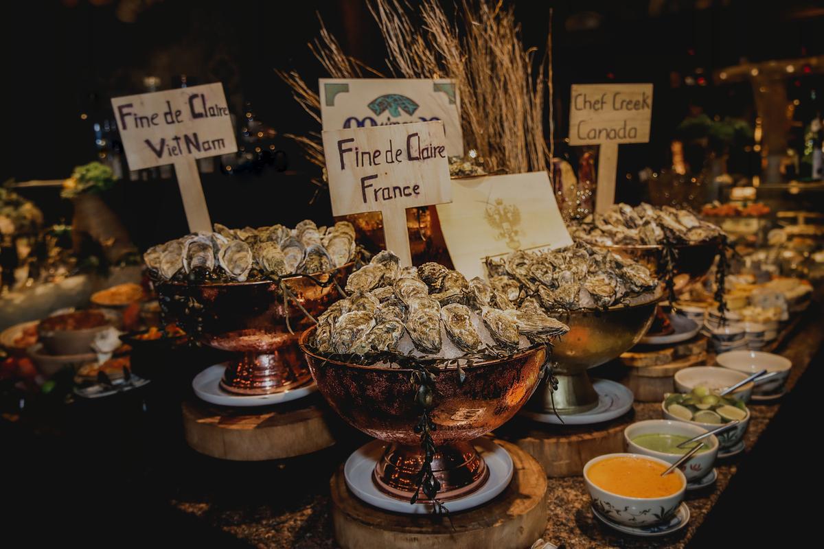 Tiệc tối tại Saigon Kitchen. Ảnh: Hôtel des Arts Saigon.