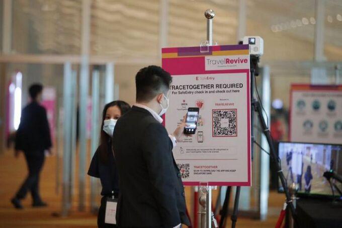 Tại triển lãm thương mại TravelRevive vừa qua, người tham gia cũng bắt buộc phải sử dụng TraceTogether, Safe Entry và hàng loạt biện pháp an toàn chống dịch khác. Nguồn: ITB Asia.