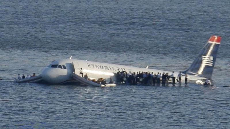 Phép màu trên sông Hudson là một trong những kỳ tích trong lịch sử hàng không. Ảnh: Brendan McDermid/Reuters
