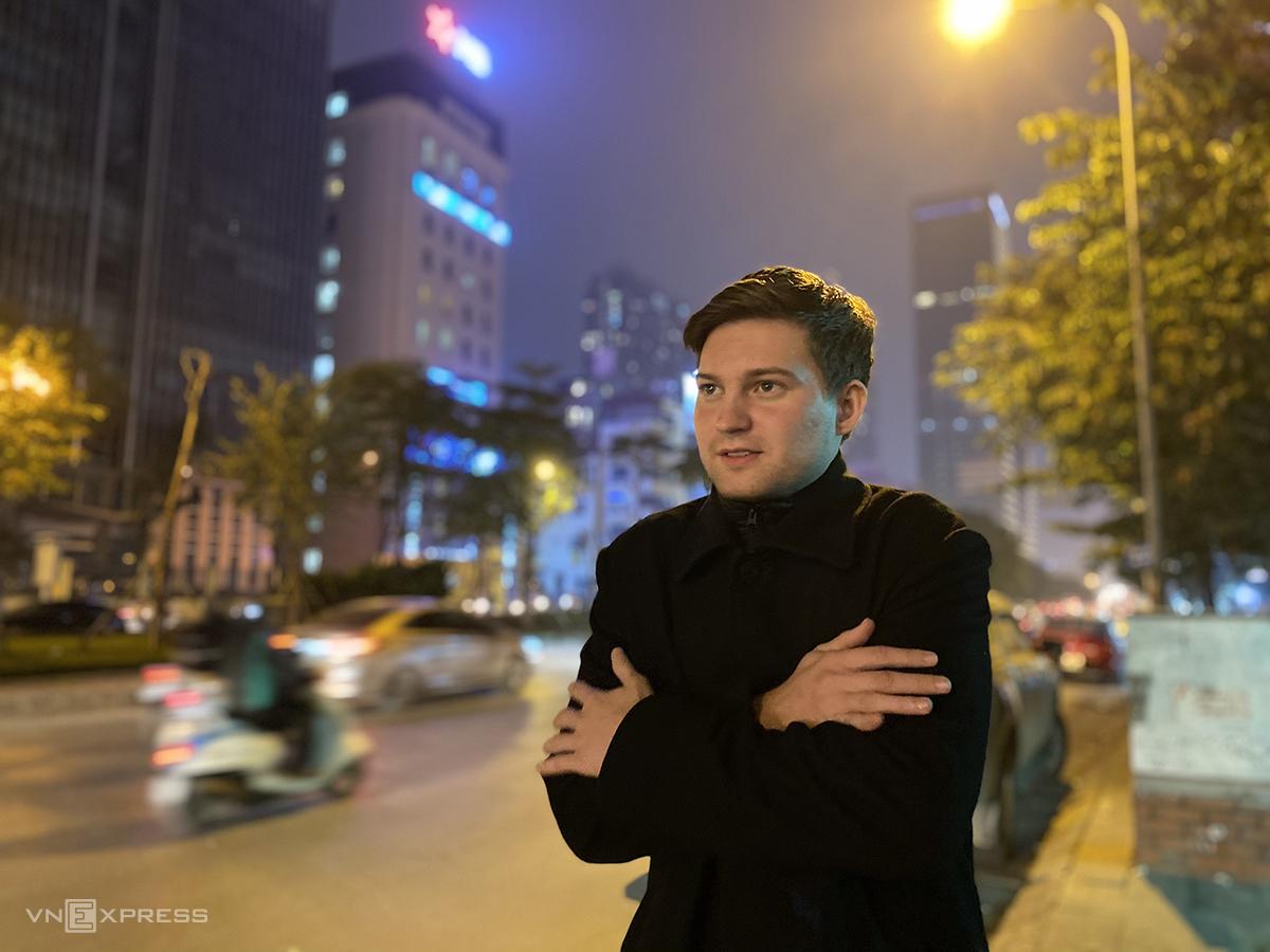 Timur luôn cảm thấy rét buốt khi Hà Nội đón không khí lạnh. Ảnh: Trung Nghĩa
