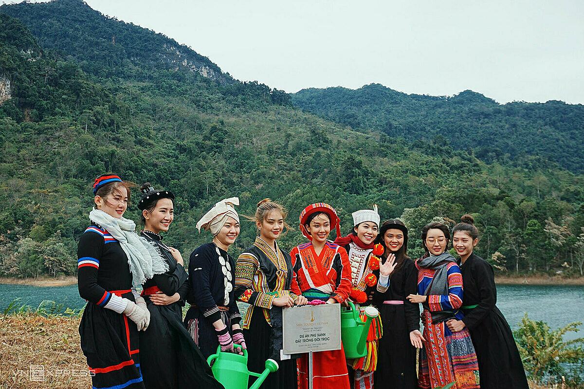 Các người đẹp đến từ nhiều tỉnh thành như Hà Nội, TP. HCM, Đắk Nông, Đắk Lắk, Khánh Hòa, Kiên Giang,... Ảnh: Ngân Dương