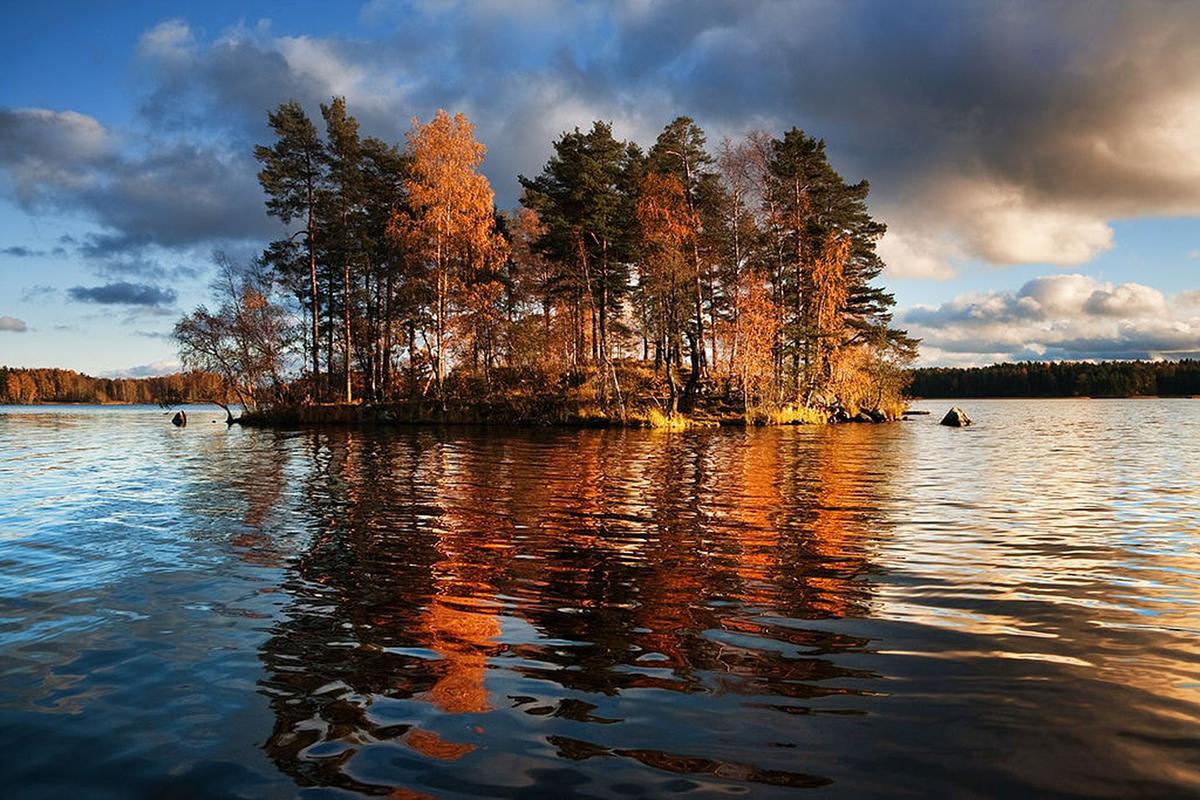 Phần Lan có khoảng 188 000 hồ, nhiều nhất thế giới, xứng đáng với tên gọi Xứ sở nghìn hồ. Ảnh: Dmitry A. Mottl / WikiCommons