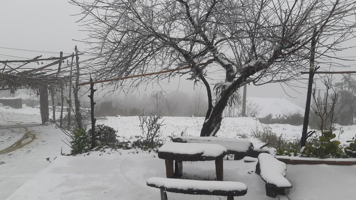 Khung cảnh tuyết trắng Y Tý. Ảnh: Phu Suy Hờ.