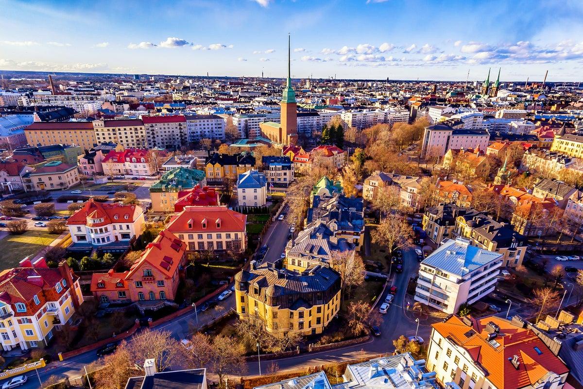 Phần Lan là quốc gia nằm tại Bắc Âu, thu hút du khách ghé thăm nhờ lịch sử, văn hóa và phong cách sống của người dân. Đất nước này đứng đầu trong Báo cáo Hạnh phúc Thế giới từ Gallup trong ba năm liên tiếp. Sau đây là những điều thú vị ít người biết về nơi này. Ảnh: iStock