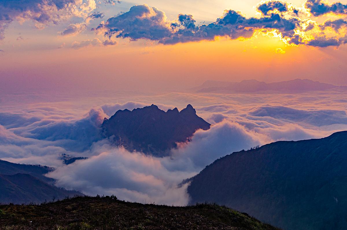 Thời điểm lý tưởng trekking là từ giữa tháng 9 đến tháng 4 năm sau, lúc thời tiết mát mẻ rất thuận lợi cho chuyến đi của bạn. Ảnh: Vietravel
