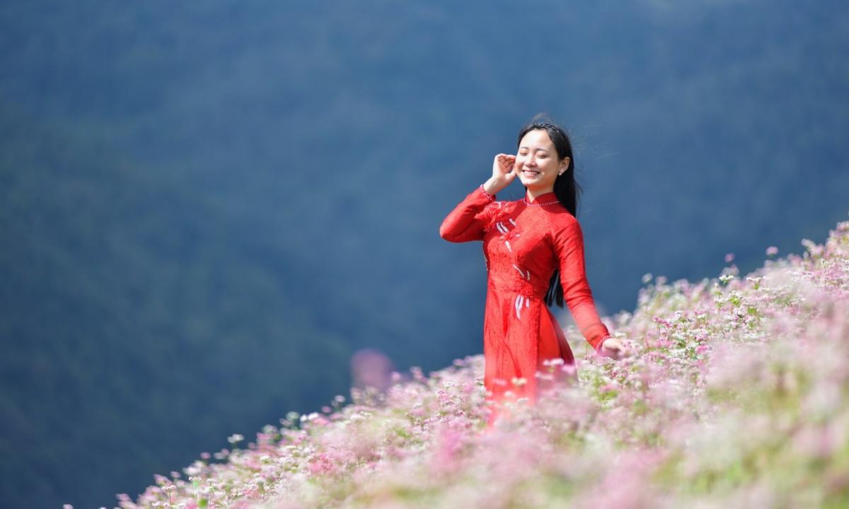Sử dụng công nghệ trong du lịch giúp tăng giá trị và sức hấp dẫn cho các sản phẩm du lịch địa phương. Ảnh: Nguyễn Chí Nam.