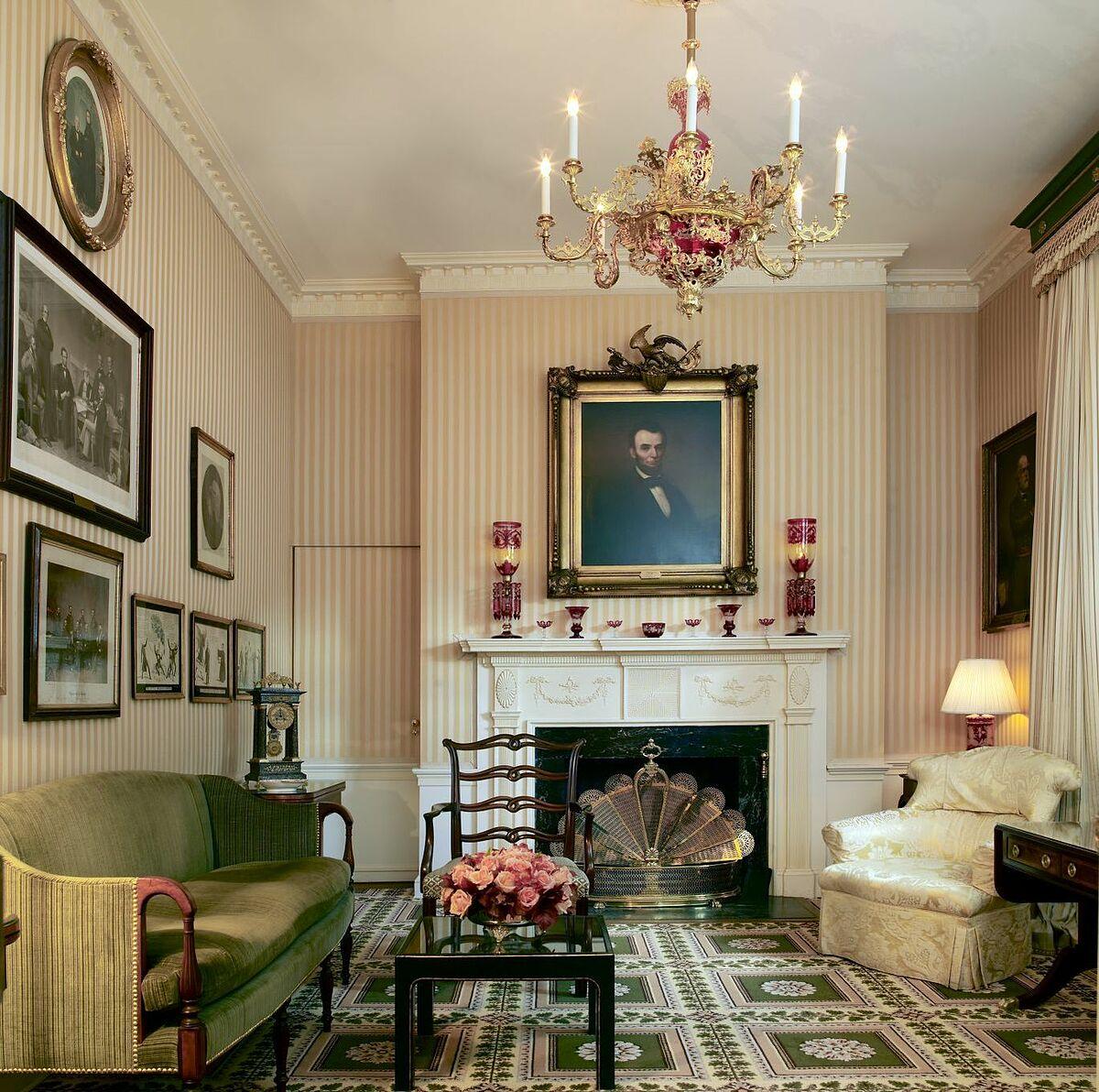Toàn bộ ngôi nhà đều được trang trí theo phong cách truyền thống đậm chất Mỹ và sang trọng. Trên ảnh là phòng Lincoln. Ảnh: Carol M Highsmith/Library of Congress