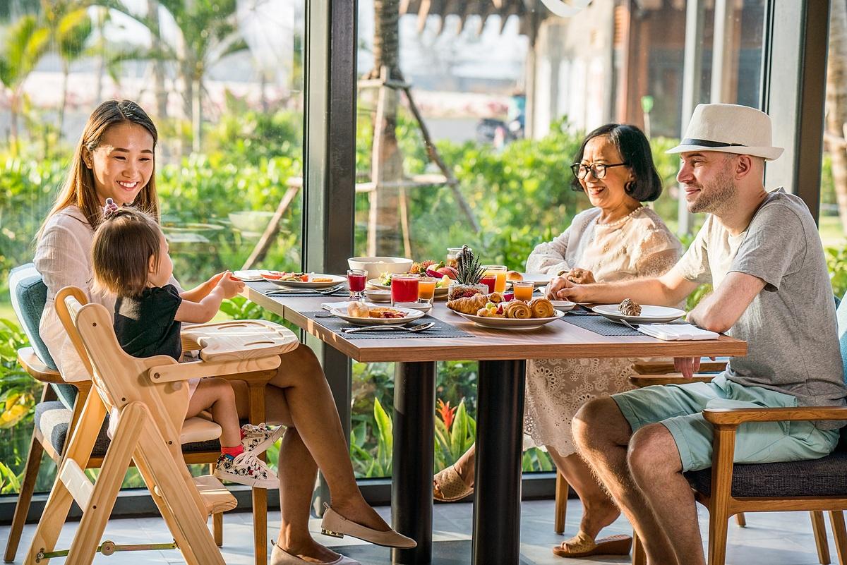 Đến Movenpick Residences Phú Quốc, gia đình vẫn có dịp thưởng thức những bữa cơm hương vị ngày Tết.