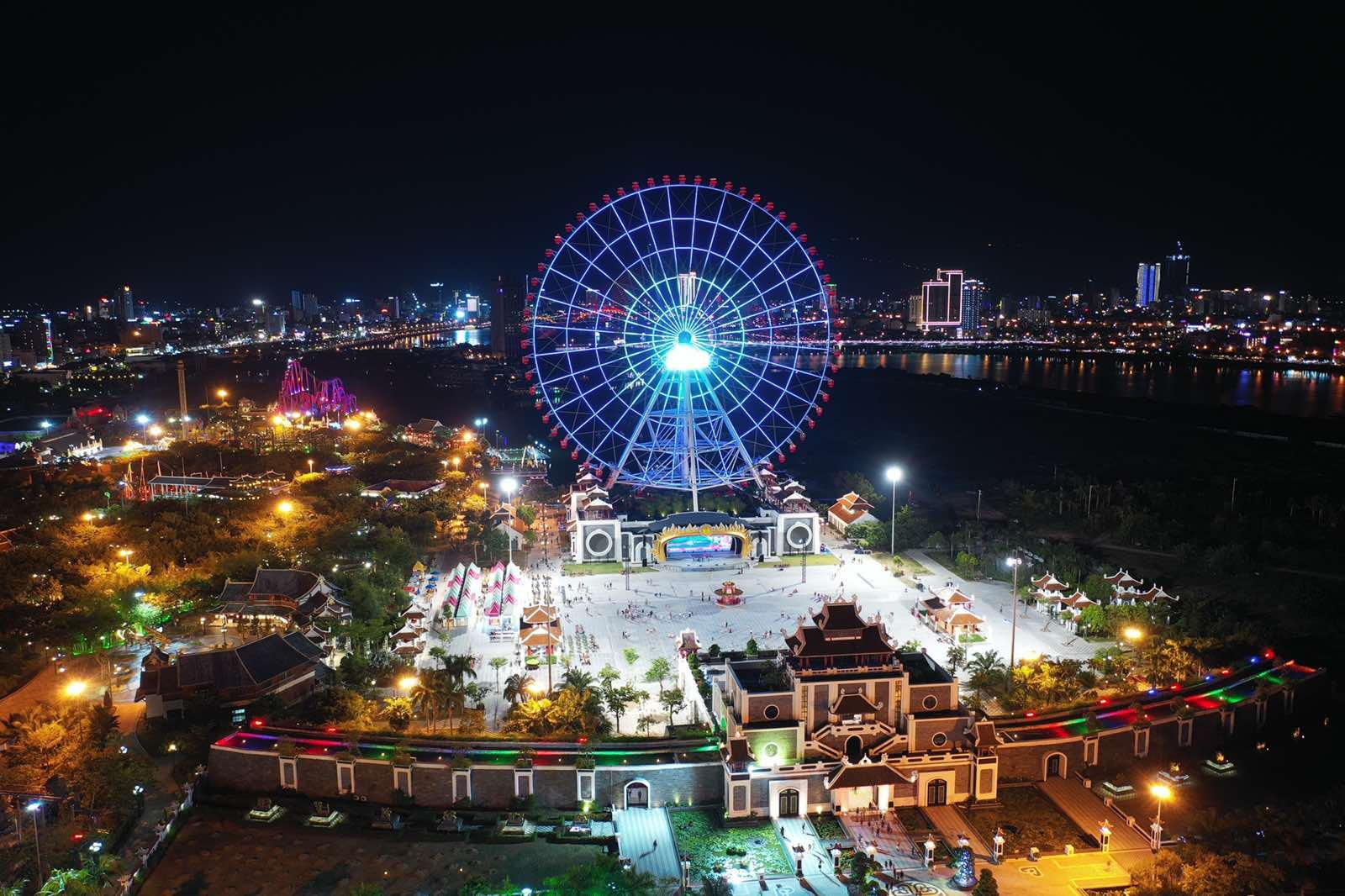 Toàn cảnh công viên châu Á - Asia Park về đêm. (nguồn ảnh)