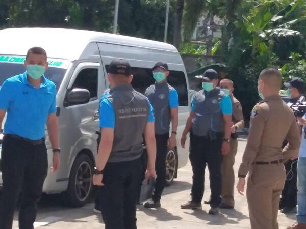 Cảnh sát Thái Lan bất ngờ đột nhập vào nhiều cơ sở lưu trú trong nước để kiểm tra các hoạt động kinh doanh, phát hiện nhiều hành vi gian lận. Ảnh: MGR Online