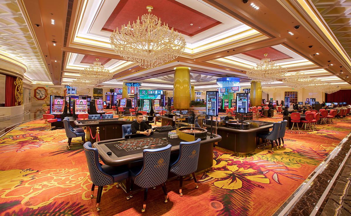 Corona Casino sở hữu 100 bàn chơi, 1.000 máy chơi với các trò chơi đa dạng. Ảnh: Corona Phú Quốc.