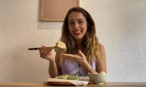 Cô gái Nga ví bánh chưng như cháo