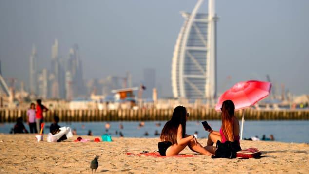 Dubai là một trong những nơi đầu tiên trên thế giới mở cửa hoàn toàn, đón khách quốc tế trong đại dịch. Ảnh: AFP