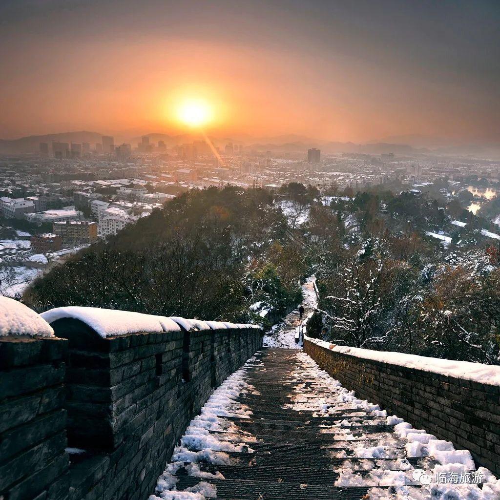 Mùa đông, những trận tuyết ở Lâm Hải đã tạo nên phong cảnh hiếm thấy ở Trường Thành Giang Nam.
