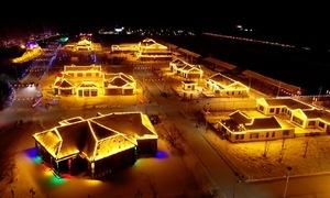 Những ngôi làng sáng đèn nguyên tuần đón Tết