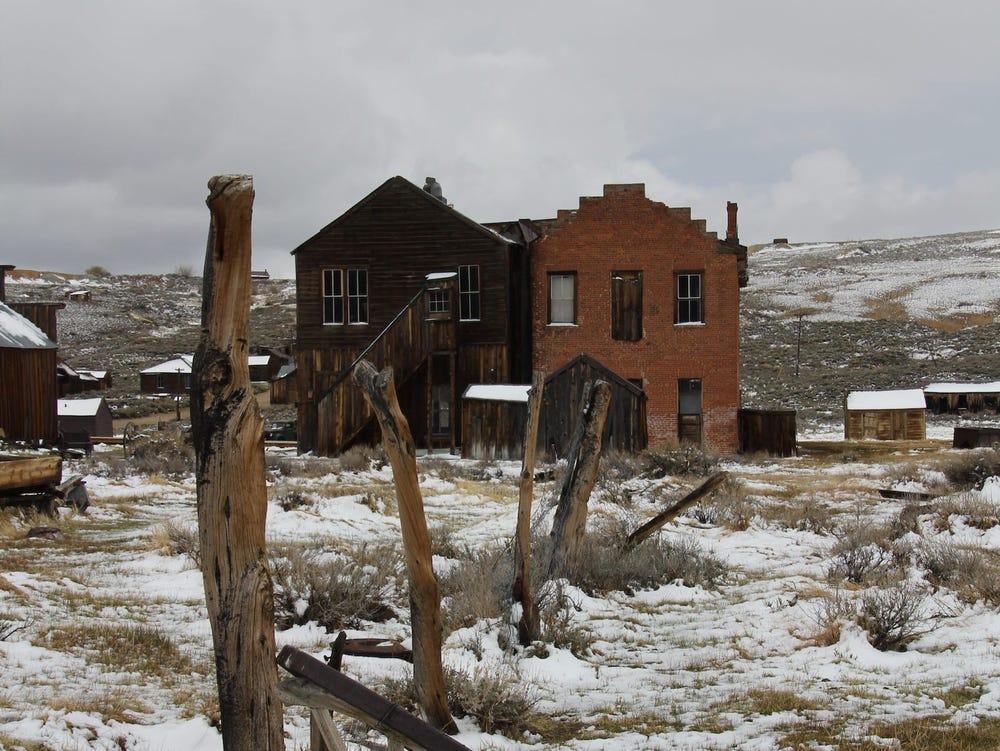 Thị trấn nằm ờ độ cao hơn 2.550 m. Ảnh: Dennis Ariza/Insider