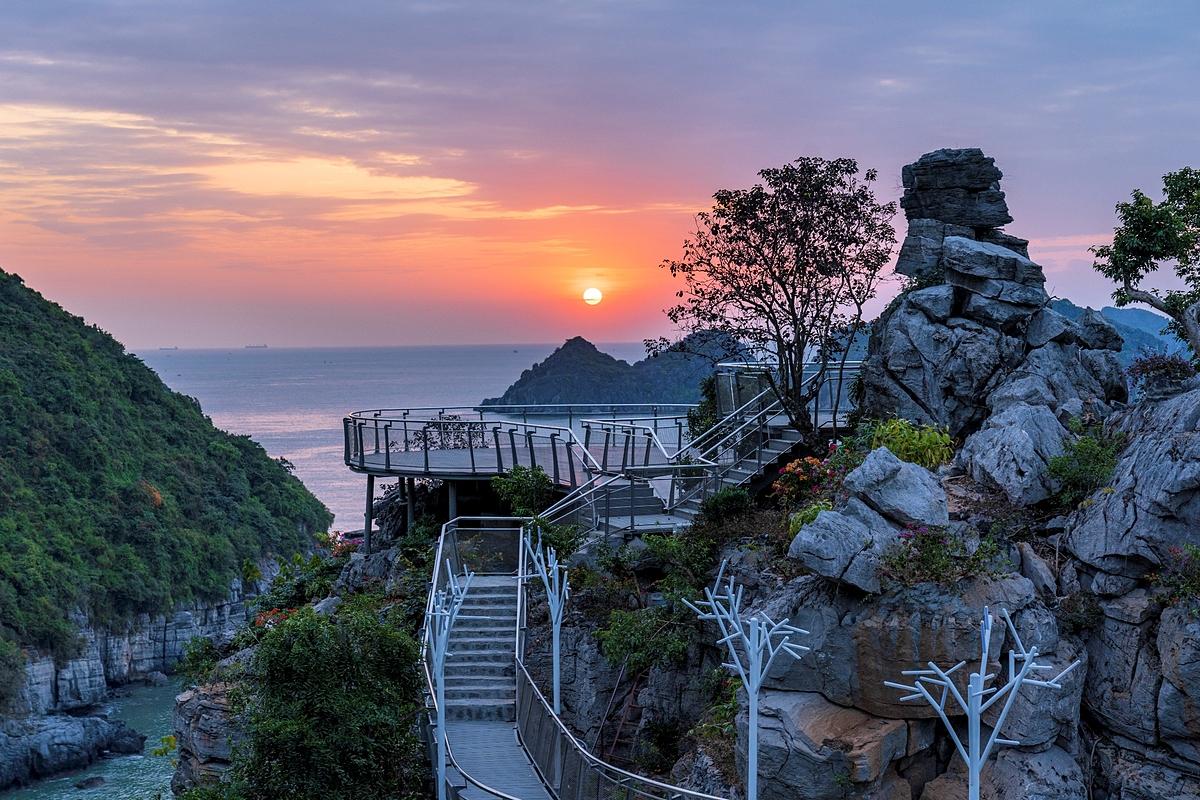 Lan Hạ Panorama - địa điểm ngắm nàng thơ vịnh Lan Hạ đẹp nhất Cát Bà.