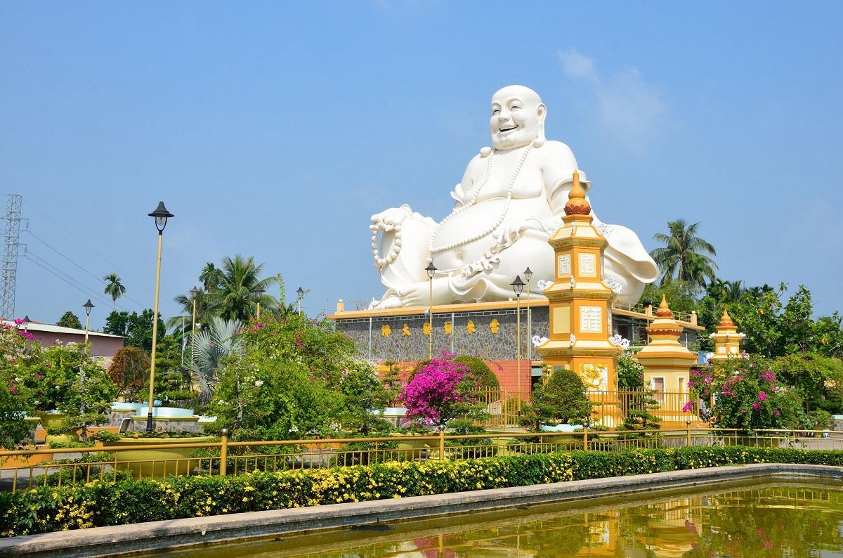 Chùa Vĩnh Tràng được xếp hạng di tích lịch sử - văn hóa cấp quốc gia năm 1984. Ảnh: Vietravel.