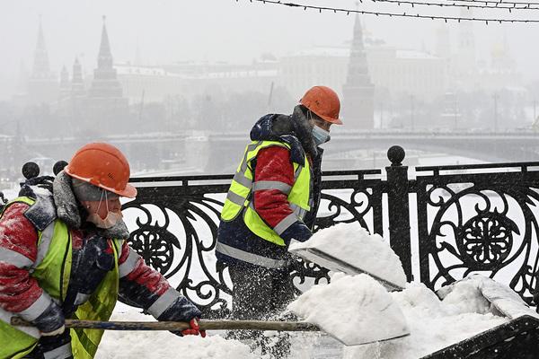 Tuyết rơi dày đến 70 cm tại nhiều nơi ở Moskva. Ảnh: Grigory Sysoev/RIA Novosti