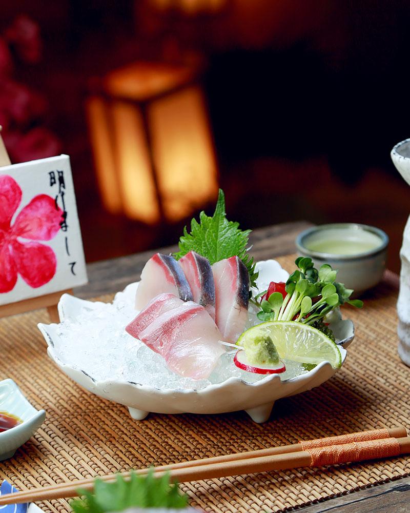 Hamachi Sashimi là dòng cá thịt đỏ được ví như bò Kobe của đại dương.