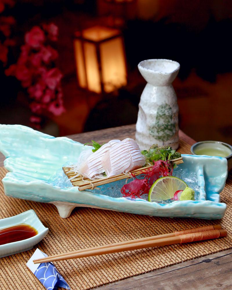 Toro Hamachi: bụng cá thơm béo khi thưởng thức dưới dạng Sashimi.