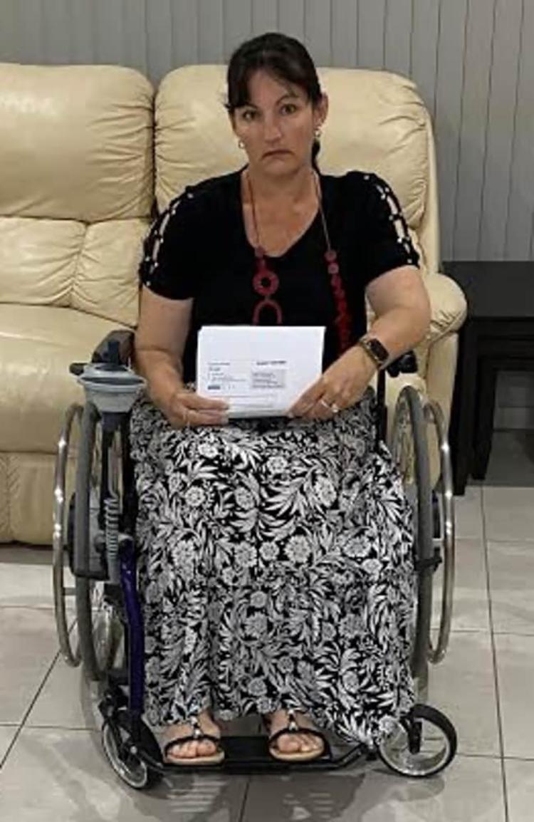 Cuối năm 2020, Weatherley đặt vé máy bay để đưa cả gia đình du lịch nước ngoài. Nhưng vì đại dịch, chuyến bay bị hủy và cô đành đặt một kỳ nghỉ trong nước vào tháng 4 để thay thế. Ảnh: Emma Weatherley