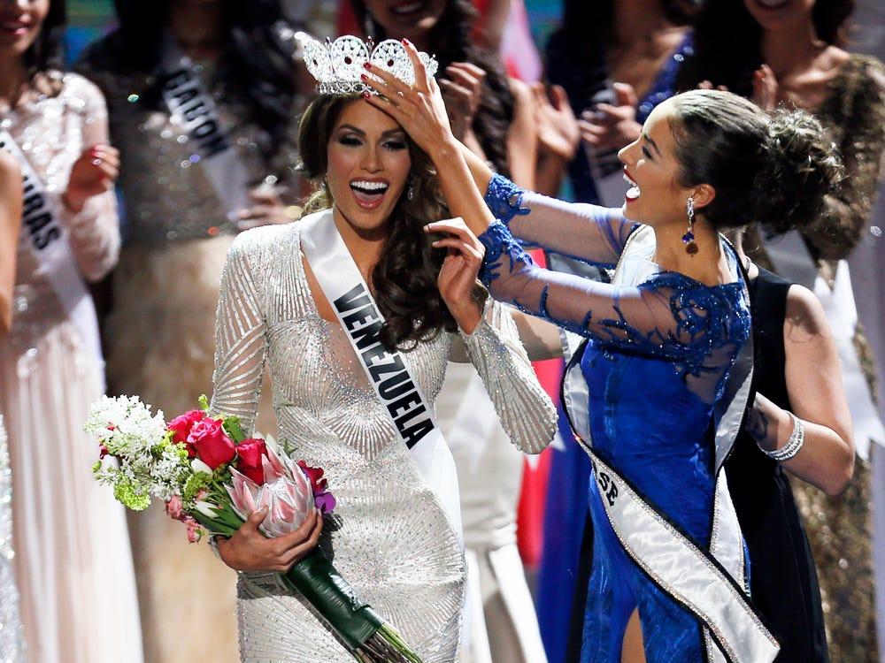 Gabriela Isler của Venezuela chiến thắng Hoa hậu Hoàn vũ 2013. Ảnh: AP