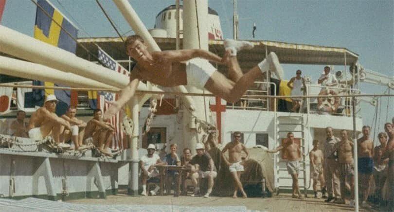 Hơn một năm bị kẹt, các thủy thủ đoàn đã tổ chức Thế vận hội Hồ Bitter, trùng với Olympic mùa hè năm 1968 tại Mexico. Ảnh: Twitter