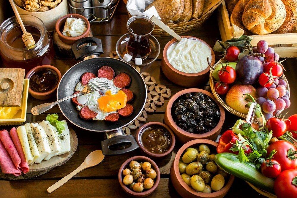 Một bữa sáng truyền thống của người Thổ Nhĩ Kỳ. Ảnh: Sozcu