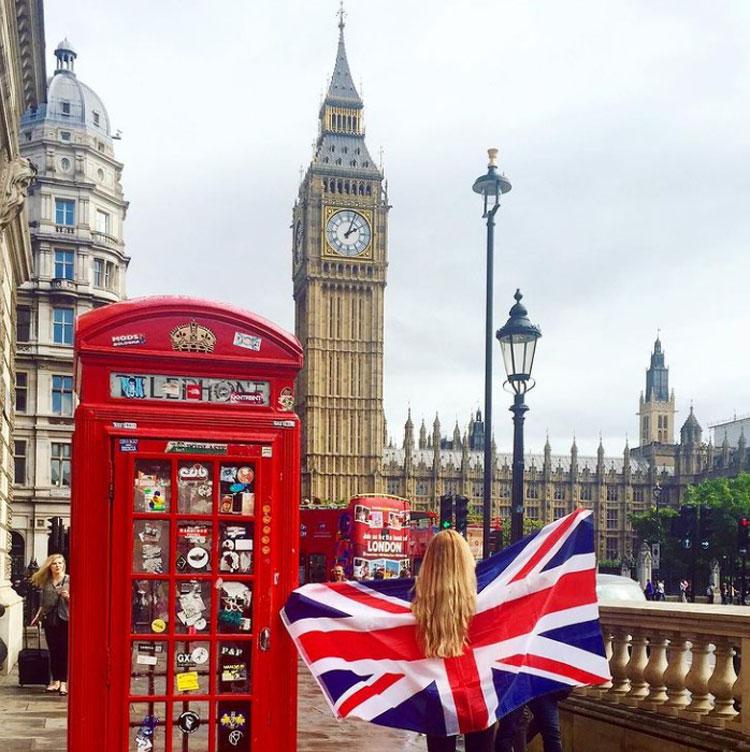 Đồng hồ Bigben, những bốt điện thoại công cộng màu đỏ, cầu tháp... là những biểu tượng nổi bật, hút khách ở London. Ảnh: Visit London