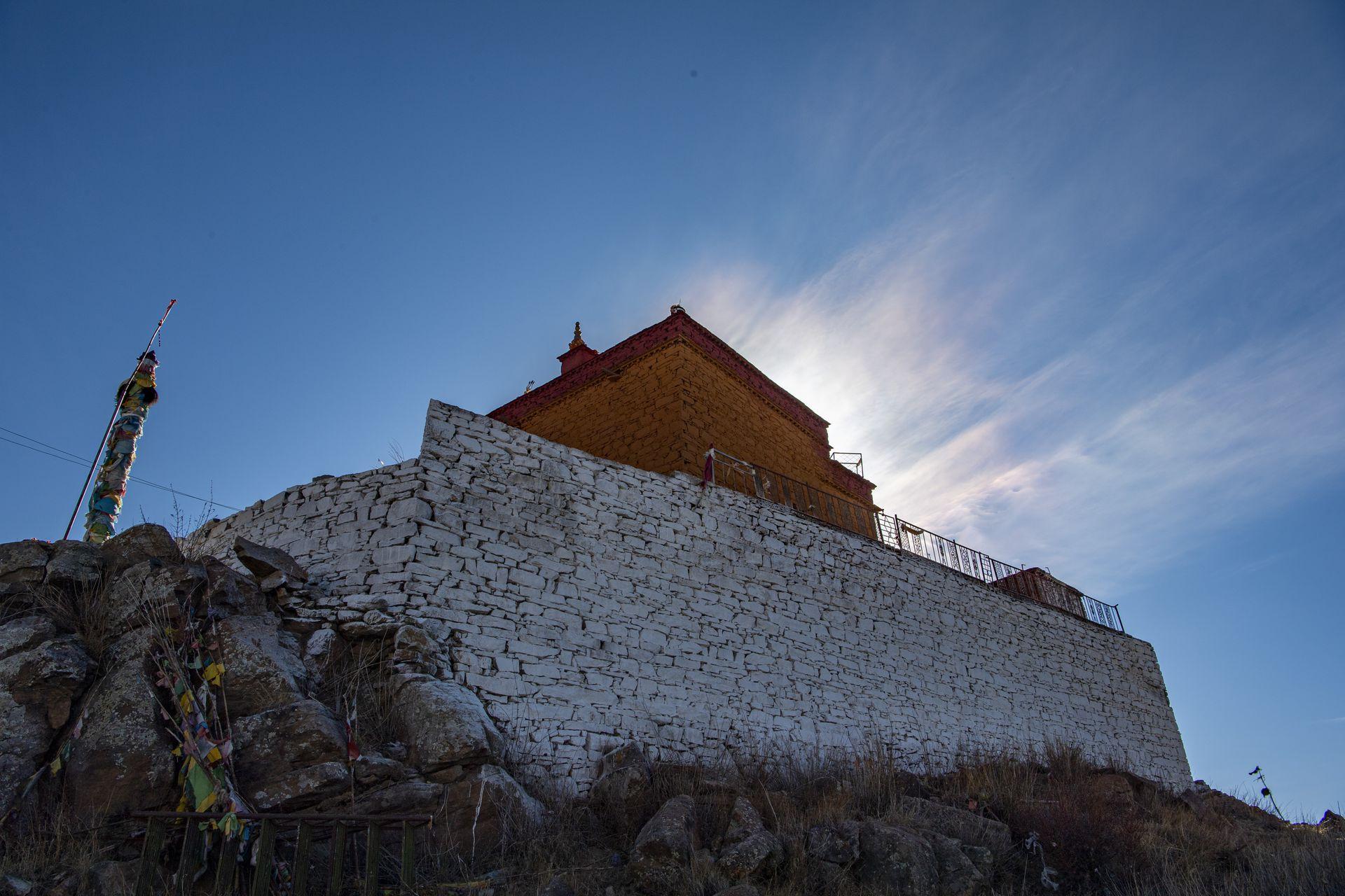 Ngôi đền cô đơn nhất thế giới ở Tây Tạng - 6