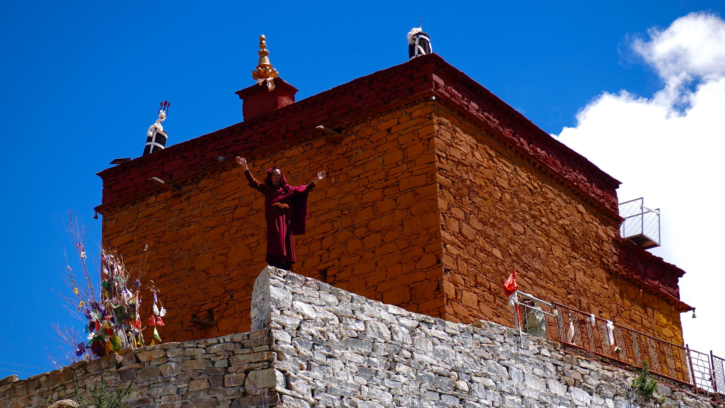 Ngôi đền cô đơn nhất thế giới ở Tây Tạng - 8