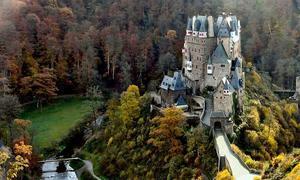 Lâu đài nơi một dòng họ sống trong hơn 850 năm