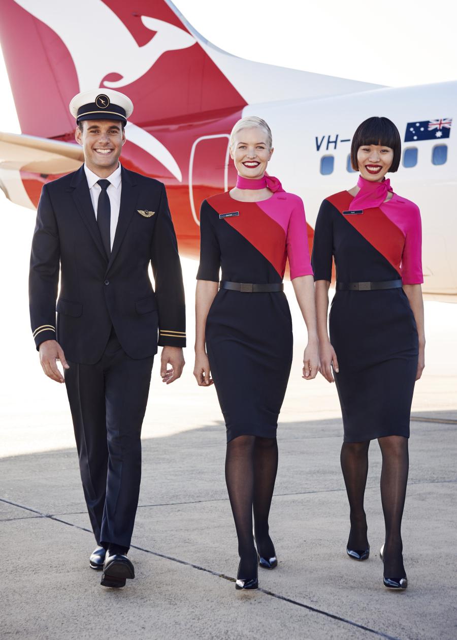 Tuy không phải tuân theo quy định cụ thể về màu son, tiếp viên Qantas cần có một vẻ ngoài gọn gàng, ngăn nắp. Đặc biệt, không để lộ hình xăm cơ thể khi mặc đồng phục. Ảnh: Duncan Killick