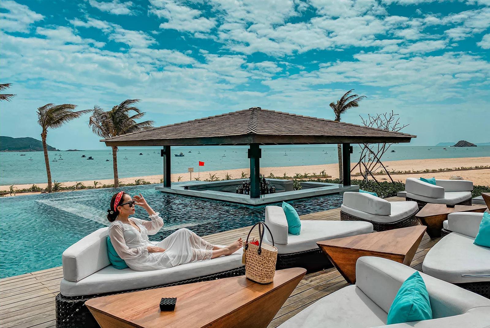 Pieter van der Hoeven, quản lý thương hiệu một resort có chi nhánh tại Quy Nhơn và Mũi Né, chia sẻ với CNBC: Cả hai resort của chúng tôi đều nằm ở điểm đến còn ít người biết, giúp du khách có những trải nghiệm yên bình với giá dễ chịu hơn, đồng thời không cách quá xa thành phố. Ảnh: Khánh Trần.