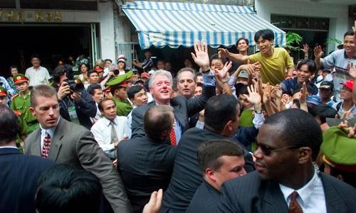 24 giờ 'căng như dây đàn' của khách sạn đón Bill Clinton