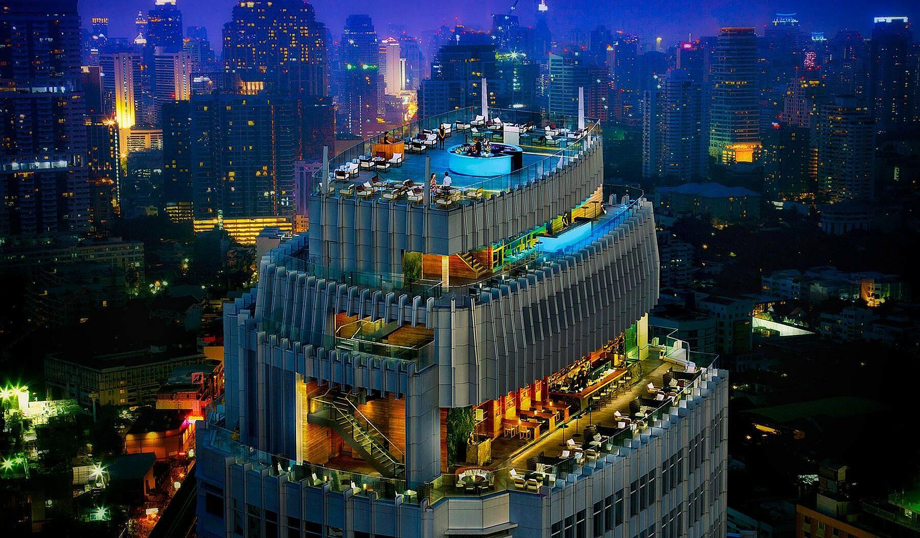 Du khách có cơ hội khám phá cảnh đẹp tại Thái Lan và thỏa sức mua sắm tại thủ đô Bangkok.