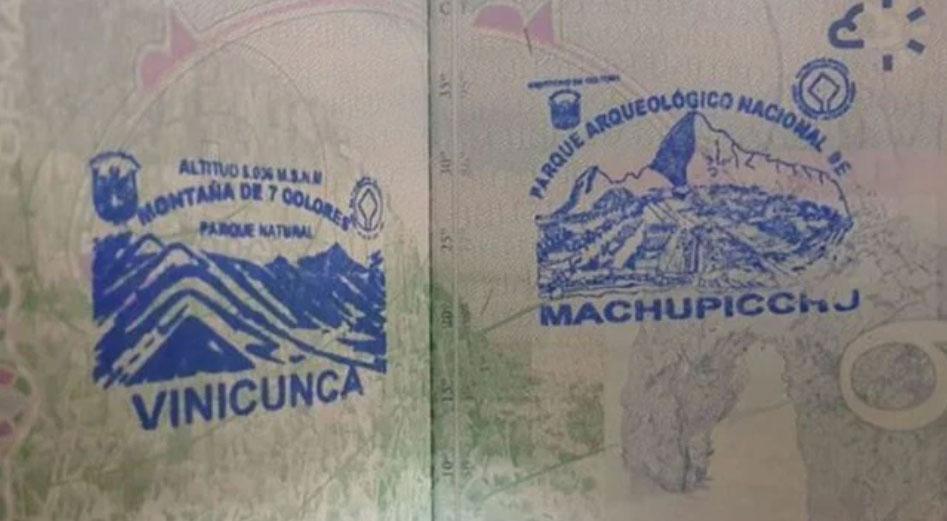 Tem lưu niệm Machu Picchu được đóng dấu lên hộ chiếu của du khách Tina. Ảnh: News