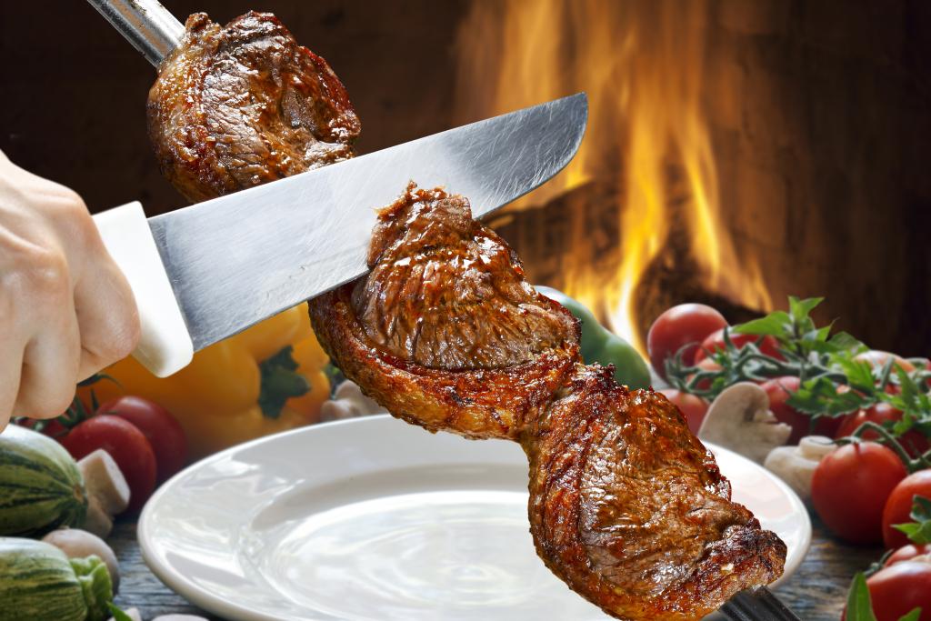 Brazil   Churrasco của người Brazil có lẽ là một trong những món nướng ngon bậc nhấtẢnh: Cocina