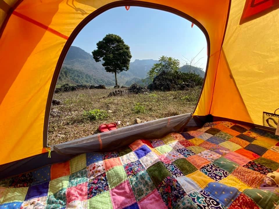 Hãy quan tâm đến độ rộng của lều và đệm để đảm bảo giấc ngủ ngon.