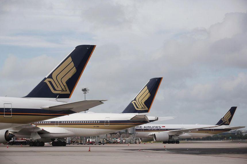 Máy bay Singapore Airlines hạ cánh khẩn tại sân bay ở Moskva. Ảnh: Kevin Lim/Straits times
