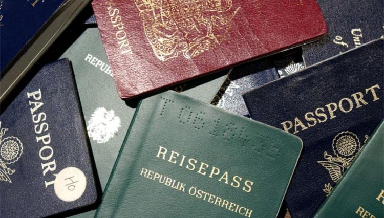 Henley Passport Index là bảng xếp hạng hộ chiếu toàn cầu có uy tín, dựa trên dữ liệu độc quyền được cung cấp bởi Hiệp hội Vận tải Hàng không Quốc tế (IATA). Ảnh: CNN
