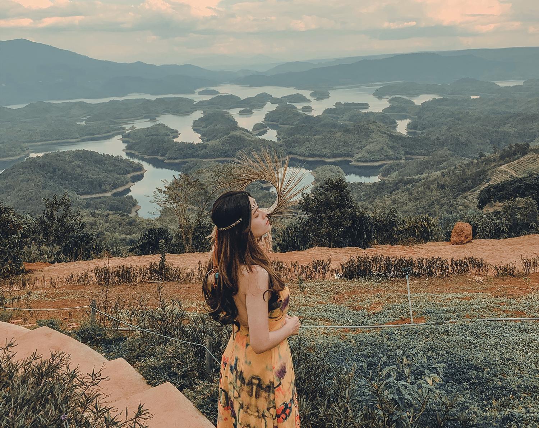 Đắk Nông hấp dẫn du khách bởi cảnh quan thiên nhiên nguyên sơ và trữ tình. Ảnh: Bảo Trân