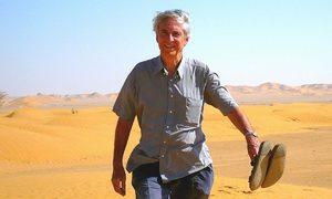 Cụ ông 83 tuổi du lịch mọi quốc gia trên thế giới