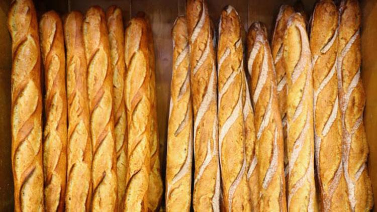 Và những chiếc bánh mì không đủ sức phát ra những âm thanh giòn tan, là không đạt chuẩn. Đây cũng là cách để phân biệt bánh mì baguette ngon và dở. Ảnh: Vivian Song/CNN