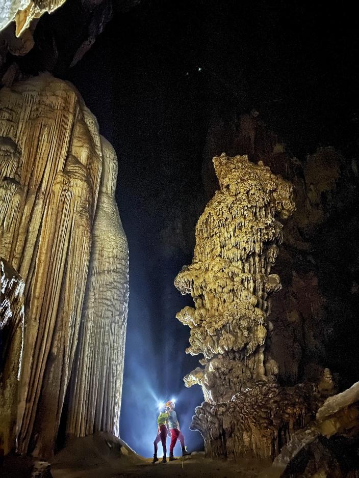 Cảnh đẹp trong hang thứ 2.