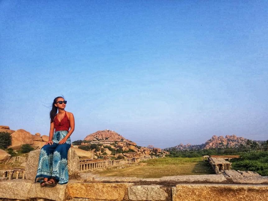 Tâm có mặt ở Hampi, hay nhóm các di tích tại Hampi là một Di sản thế giới được UNESCO công nhận nằm ở phía đông trung tâm Karnataka, Ấn Độ. Đây từng là thủ đô của Đế quốc Vijayanagara hùng mạnh tồn tại vào thế kỷ 14.