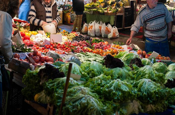 Tehran, Iran: Nếu bạn đi chợ mà không mặc cả, chắc chắn bạn là khách du lịch rồi. Ảnh: Flickr